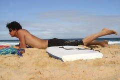 Homem que relaxa Foto de Stock