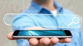 Homem que surfa no Internet usando o renderi tátil da barra 3D do endereço da Web Imagens de Stock