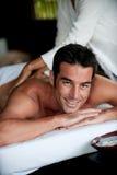 Homem que tem a massagem imagens de stock royalty free