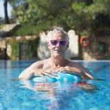 Homem que tem o divertimento em férias Imagens de Stock Royalty Free
