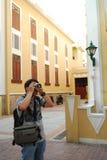 Homem que toma o PIC Fotografia de Stock
