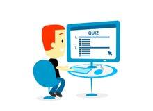 Homem que toma um questionário no tela de computador Fotografia de Stock Royalty Free