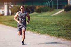 Homem Running do esporte fotos de stock royalty free