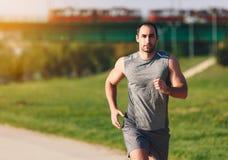 Homem Running do esporte imagens de stock