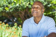 Homem sênior feliz do americano africano imagem de stock
