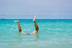 Homem sob a água Imagens de Stock Royalty Free