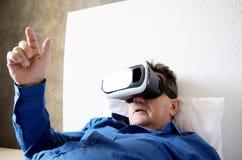 Homem superior com auriculares ou vidros 3d virtuais Imagem de Stock Royalty Free