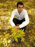 Homem triste com ramalhete Fotografia de Stock Royalty Free
