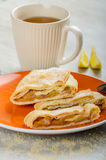 Homemade apple pie with black tea Royalty Free Stock Photography