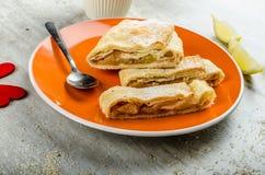 Homemade apple pie with black tea Royalty Free Stock Photos
