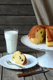 Homemade cake  with raisins and a glass of milk Royalty Free Stock Photos