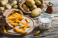 Homemade fries with salt and pepper Royalty Free Stock Photography