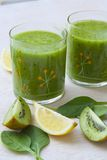 Homemade green detox smoothie Royalty Free Stock Photography
