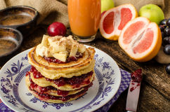 Homemade pancakes with bananas Royalty Free Stock Images