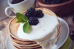 Homemade pancakes with blackberries Stock Photography