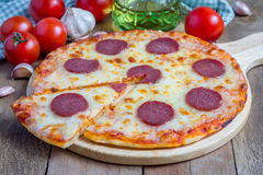 Homemade pepperoni pizza Royalty Free Stock Image