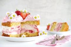 Homemade strawberry cake with fresh cheese cream Royalty Free Stock Photos