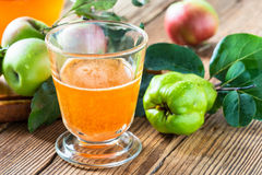 Homemade vegan apple juice with quince Stock Photography