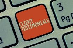 Homenagens do cliente do texto da escrita da palavra Conceito do negócio para pessoas de certificação escritas da declaração valo imagem de stock