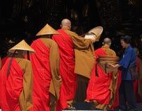 Homenaje de la paga a Buda Foto de archivo libre de regalías