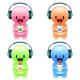 Homens coloridos pequenos dos desenhos animados engraçados com fones de ouvido e papel Fotos de Stock