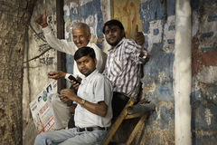 Homens com telefones de pilha Foto de Stock
