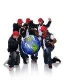 Homens de Hip Hop com a terra suspendida imagem de stock royalty free