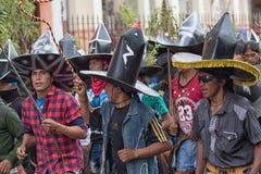 Homens de Kichwa nos costmes em Inti Raymi Imagens de Stock