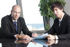Homens de negócio bem sucedidos foto de stock royalty free