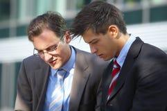 Homens de negócio de trabalho Fotografia de Stock