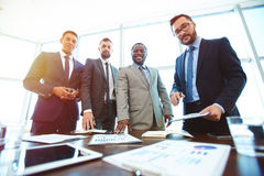 Homens de negócios modernos Fotos de Stock