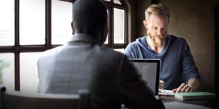 Homens de negócios que trabalham Team Workspace Planning Concept fotos de stock