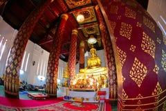 Homens do Na Phra de Wat, Ayutthaya, Tailândia fotos de stock royalty free