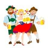 Homens e mulher bávaros com um vidro grande da cerveja Fotos de Stock Royalty Free
