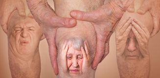 Homens superiores que guardam o joelho com dor collage Conceito da dor e do desespero abstratos imagem de stock