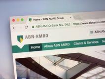 Homepage av ABN AMRO Bank, på tredje plats störst bank i Nederländerna Arkivfoto