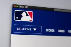 Homepage de la p?gina web de Major League Baseball Ci?rrese para arriba de logotipo de MLB imagenes de archivo