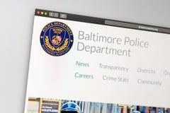 Homepage del sito Web del dipartimento di polizia di Baltimora Vicino su del logo di reparto della polizia fotografie stock libere da diritti