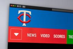 Homepage do Web site dos Minnesota Twins da equipe de beisebol Feche acima do logotipo da equipe fotografia de stock