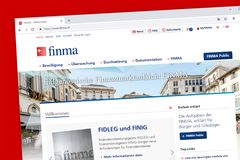 Homepage suíço do Web site da autoridade supervisória FINMA do mercado financeiro fotos de stock royalty free