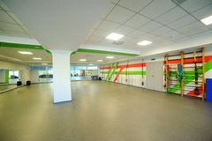 Hometrainer-Turnhallenraum Aerobic spinnender Stockfotografie
