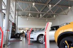 Homiel', Bielorussia - 3 giugno 2015: Il commerciante ufficiale di Nissan - motori Autoworld, via Khatayevich 32, Immagine Stock Libera da Diritti