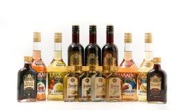 HOMIEL', BIELORUSSIA - 26 settembre 2017: Prodotti alcolici della distilleria di Homiel'su un fondo bianco Fotografia Stock
