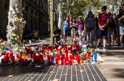 Hommage aux victimes de l'attaque terroriste de Barcelone images stock