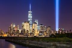 Hommage dans la lumière au-dessus du Lower Manhattan, New York City Images stock