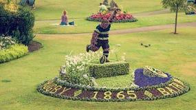 Hommage floral dans des jardins de défilé Photographie stock libre de droits