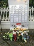 Hommage floral pour le défunt premier ministre ex de Singapour, M. Lee Kuan Yew Photographie stock