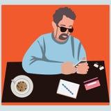 Homme à l'aide du smartphone mobile avec des cartes de crédit pour des purchas en ligne Image libre de droits