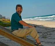 Homme à la plage Photographie stock libre de droits
