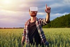 Homme âgé par milieu en verres 3D Image libre de droits